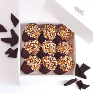 bisou box biarritz cocoa madeleine dark chocolate caramelised nuts