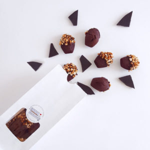 bisou bag mini biarritz cocoa madeleine dark chocolate caramelised nuts